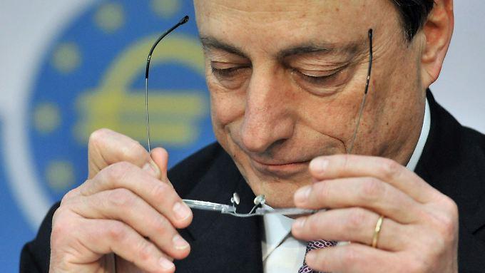 EZB-Chef Draghi: risiken bleiben.