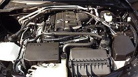 Der 1,8-Liter-MZR-Benzinmotor wirkt mit Fünfganggetriebe nicht mehr ganz zeitgemäß.