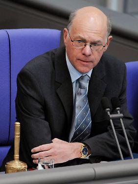 Norbert Lammert hatte Abweichlern Rederecht erteilt - gegen den Willen der Fraktionen.