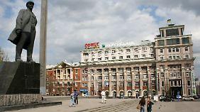Erinnerungen an die Sowjetunion: Noch immer wacht Lenin über die Industriestadt Donezk.