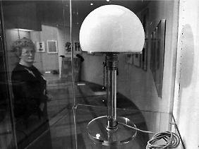 Bekanntes Bauhaussymbol: die Tischlampe des Künstlerteams Juckert/Wagenfeld aus dem Jahr 1924.