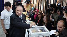 Die Macht bleibt weiter bei ihm: Präsident Abdelaziz Bouteflika versucht sich an schrittweiser Öffnungspolitik.