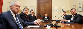 Griechenlands Parteichefs bei Karolos Papoulias. Die sind unfähig, für das Land über ihren Schatten zu springen.