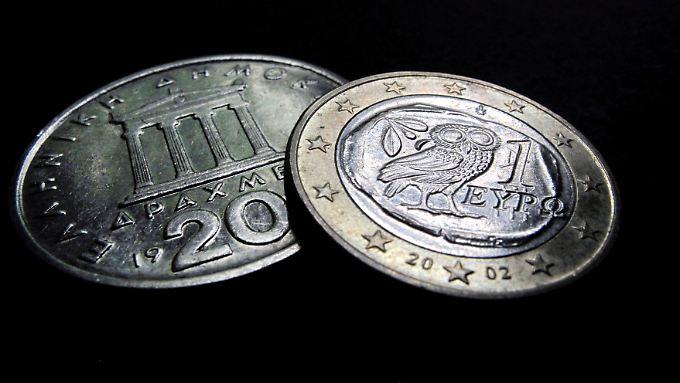 Weiter Euro oder wieder Drachme? Was so einfach klingt, birgt viele Risiken und Probleme.