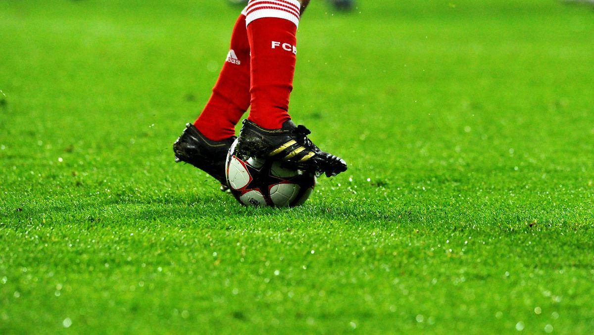 Bluttaten Im Brasilianischen Amateurfu 223 Ball Referee