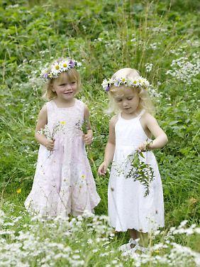 Mittsommernacht ist auch für Kinder jedes Jahr ein großes Fest.
