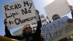 """Demonstration gegen Obamas Gesundheitsreform, abfällig """"ObamaCare"""" genannt."""