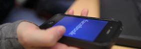 Viele Nutzer rufen Facebook auf dem Handy lieber gleich über den Browser auf.