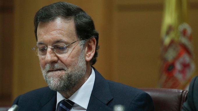 Spaniens Ministerpräsident Rajoy hat erstmals Eurobonds gefordert und die EU zu mehr Hilfe für die Krisenstaaten aufgefordert.