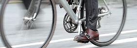 Erst bei 1,6 Promille müssen Radfahrer mit Strafen rechnen. Ein Durchschnittsmann erreicht die erst nach vier Litern Bier.