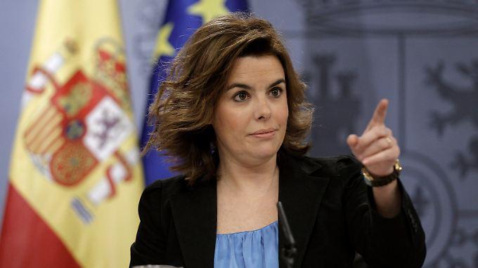 """""""Wir warten die Bekanntgabe der Zahlen ab, die die Analysten unseres Bankensystems uns übermitteln müssen"""", sagt Spaniens Vizeministerpräsidentin Sáenz de Santamaría."""