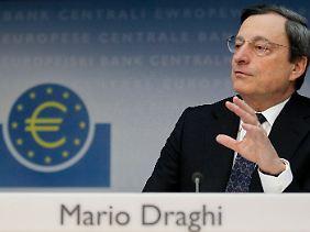 """Knapper Kommentar zu wilden Gerüchten: """"Das Eurosystem wird weiter Liquidität an kreditwürdige Banken bereitstellen, wenn das notwendig ist"""", sagt Mario Draghi."""