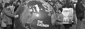 1983 zogen die Grünen in den Bundestag ein. Sie machten nicht nur mit ihren Aktionen auf sich aufmerksam, sondern auch mit ihrer Jugendlichkeit.