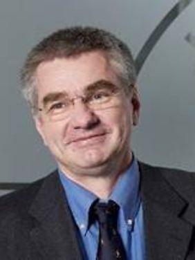 Prof. Joachim Mnich ist Direktor für den Bereich Hochenergiephysik und Astroteilchenphysik am Desy in Hamburg.