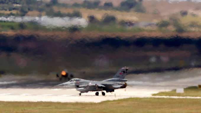 Ein türkischer F-16-Kampfjet.