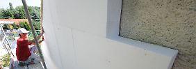 Ein Gerüst vorm Fenster soll kein Grund für Mietminderung sein, sofern es der Wärmedämmung dient.