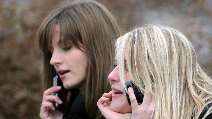 Handygespräche werden einer Studie zur Folge als störender empfunden als normale Gespräche.