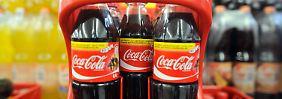 Coca-Cola-Flaschen: außen gleich, aber der Inhalt variiert je nach Land.