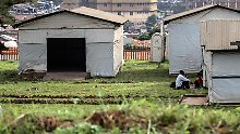 In diesem Lager des Mulago-Krankenhauses in der Hauptstadt Kampala sind die Menschen isoliert, die in Kontakt mit Ebola-Infizierten kamen.