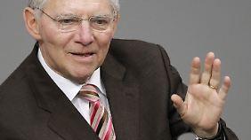 Finanzminister Schäuble überlegt noch, ob er sich auf den Handel einlassen soll.