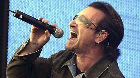 Bono beim Live-8-Konzert im Londoner Hyde Park.