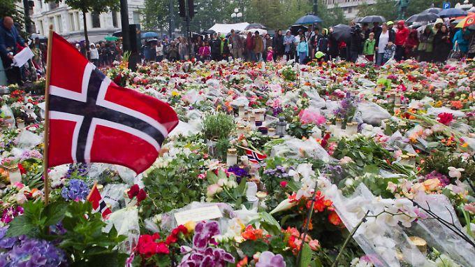 Bombenanschlag und Amoklauf erschütterten die norwegische Gesellschaft zutiefst.