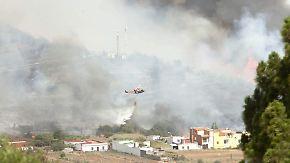 Zwei Tote in Spanien: Feuerwehr wird der Flammen nicht Herr