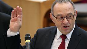 Gelassen: NRW-Minister Walter-Borjans.