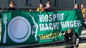 Protest vor dem Bundeswirtschaftsministerium in Berlin. (Archivbild von 2011)