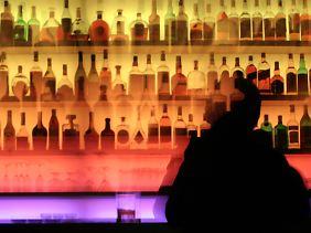 Nach Scheidungen trinken Frauen und Männer viel mehr.