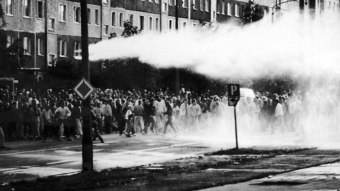 Ein Pogrom mit Vorankündigung: Als Rostock-Lichtenhagen brannte