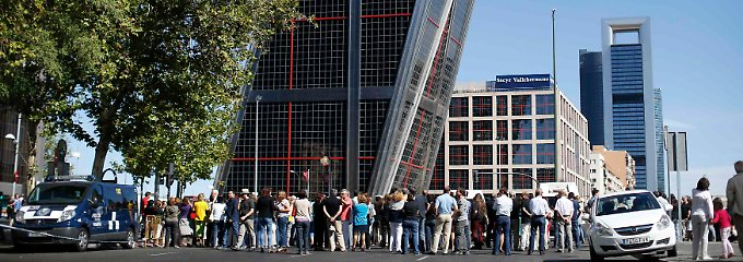 Der schiefe Turm von Madrid: Die Bankia-Rettung sorgt für Hektik.