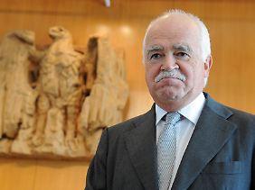CSU-Politiker Peter Gauweiler scheitert mit seinem Eilantrag in Karlsruhe.