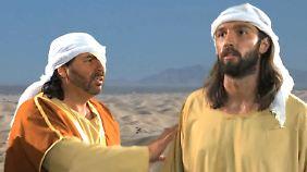 """Mohammed (rechts) wird in dem Film """"Unschuld der Muslime"""" als verrückt dargestellt."""