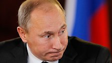 """Potzblitz, die Welt hat einen neuen mächtigsten Mann: Wladimir Putin hat sich in den Augen des """"Forbes""""-Magazins auf den Spitzenplatz geschoben."""