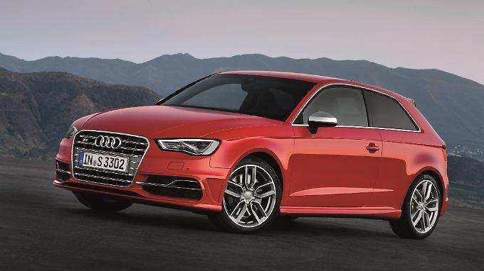 Fast zeitgleich mit dem fünftürigen Sportback ergänzt die Sportversion S3 die Angebotspalette beim Audi A3.
