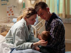 Eine Kleinfamilie mit Zukunftsplänen: Dafür setzt Robbie seine Freiheit aufs Spiel.