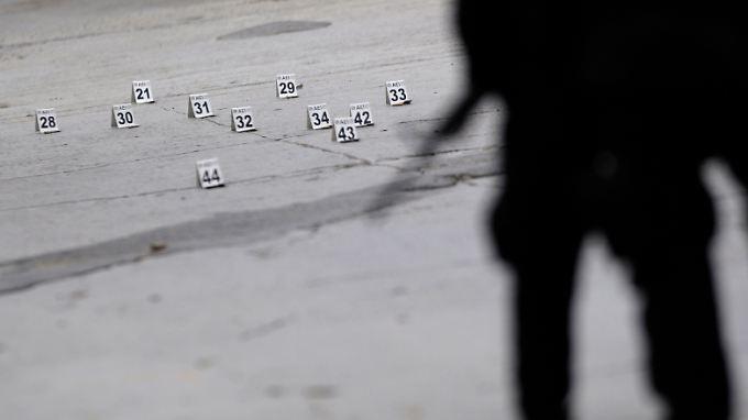 Ein alltäglicher Anblick in Mexiko: Sicherheitskräfte sichern den Tatort eines Mordes.