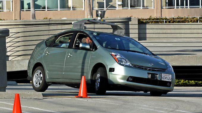 Die Zeit ist reif: Google darf seine selbst fahrenden Autos auf die Straße schicken.