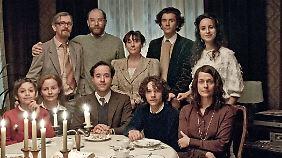 Familie Hoffmann feiert Weihnachten.