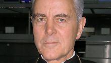 Wegen Leugnung des Holocausts vor Gericht: Der erzkonservative Bischof Richard Williamson.