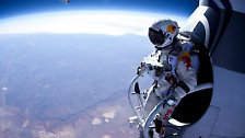 1110 Kilometer pro Stunde im freien Fall: Baumgartner wagt Wahnsinnssprung