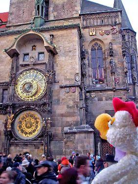 ... und vor der astronomischen Uhr in Prag.