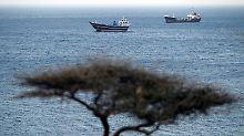 Schon lange droht der Iran damit, die Meerenge von Hormus für den Schiffsverkehr - vor allem für Tankschiffe mit Öl für den Westen - zu sperren.