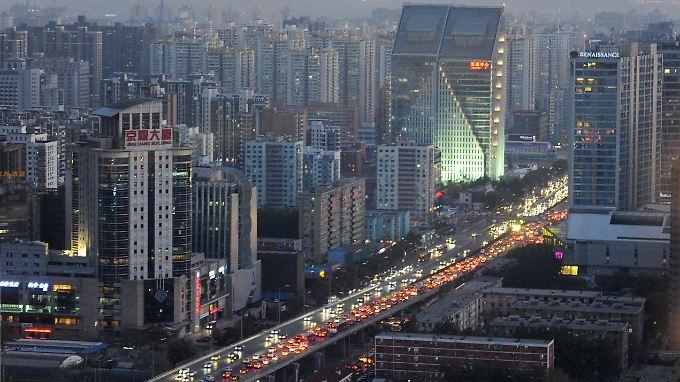 Abendverkehr in Chinas Hauptstadt Peking.