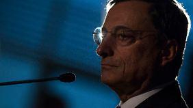 EZB-Präsident Draghi im Bundestag: Griechen sorgen für Irritation