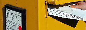 Da staunt der Kollege: Postbote lagert tausende Briefe