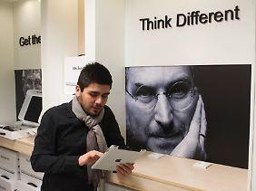 """Immer noch allgegenwärtig: """"iGod"""" Steve Jobs."""