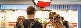 Mehr Jugendliche in Deutschland sollen eine Lehrstelle finden.