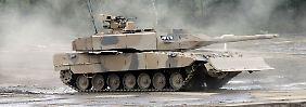 Ein Kampfpanzer Leopard 2.